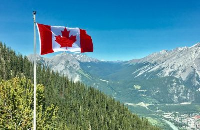 10 reasons to move to Canada
